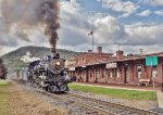RBMN 425 highballs eastbound past the Reading Company Depot in Tamaqua